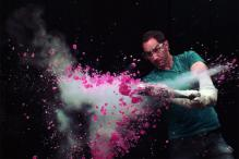 This Guy Freezes Stuff in Liquid Nitrogen, Smashes Them and Teaches Us Science