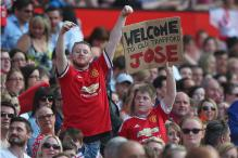 Old Trafford Gives Jose Mourinho Noisy Welcome