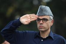 Omar Hits Out at Mehbooba, Asks Modi to Fly Down Eye Doctors to J&K