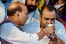 BJP's Maheish Girri Ends Hunger Strike on Rajnath's 'Persuasion'