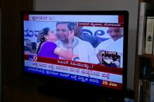 Woman Gives CM Siddaramaiah a Peck on the Cheek, Says 'Nothing Wrong'