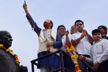 Ex-IPS Vanzara Puts Garland With Toy Gun on Sardar Patel's Statue