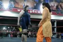 Dressed in Salwar Kameez, This Punjabi Lady Takes on a Wrestler Like a Boss