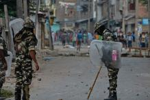 Curfew Clamped in 10 Districts of Kashmir Ahead of Friday Prayers
