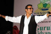 Complaint Filed Against Singer Abhijeet For Foul Language on Twitter
