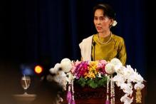 Myanmar's Suu Kyi Holds Landmark Rebel Talks
