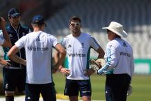 England Turn to Saqlain to Help Solve Pakistan Spin Problem