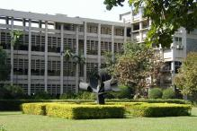 Government Wants IITs to Accredit Engineering Colleges Across India