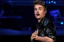 Justin Bieber Attacked by an Unknown Man in a Club