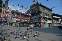 One Killed in Pulwama Clashes, Curfew Continues in Valley