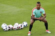 Portugal's Nani Signs for Valencia on Three-Year Deal