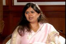 Pankaja Munde Using Delhi SUV Without Paying Tax in Maharashtra: AAP