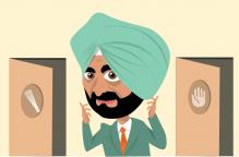No-Balled by AAP, Sidhu Now Ponders Batting for Congress