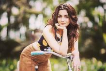 Alia Bhatt Promotes Akshay Kumar's Rustom in the Most Amusing Way
