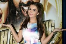 Amy Jackson to Walk at London Fashion Week