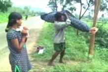 Watch: Man Forced to Carry Wife's Body, Naveen Patnaik's Scheme Exposed