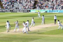 3rd Test: England Thrash Pakistan by 141 runs, Lead Series 2-1