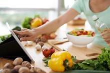 Mediterranean Diet, Exercise Can Cut Risk of Alzheimer's
