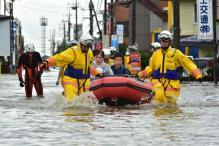 Tropical Storm Hits Japan's Northeast, Hitting Transport