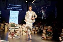 LFW 2016: Jacqueline Fernandez Looks Stunning As She Turns Showstopper For Rajesh Pratap Singh