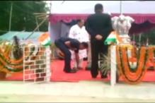 BJD Odisha Minister Gets His Shoe Tied by Security Officer