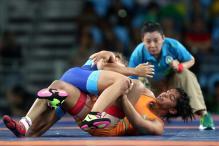 Sakshi Malik, Vinesh Phogat Lose in First Round At World Championships