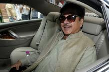 Nitish, Lalu Watch Play Hosted by 'Friend' Shatrughan