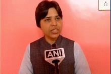 Trupti Desai Offers Prayers at Haji Ali Dargah