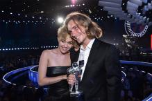 Miley Cyrus' Homeless VMAs 2014 Date Put up Her Award for Auction