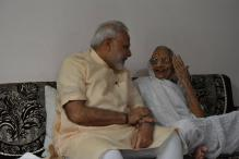 Narendra Modi Takes Blessings of His Mother on 66th Birthday