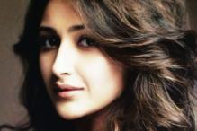 Sayyeshaa to Make Tamil Debut With Jayam Ravi's Next