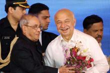 Sushilkumar Shinde's Story is Story of India: Pranab Mukherjee