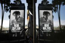 'Speechless' Dylan Accepts Nobel, Wants to Attend Ceremony If it's 'at All Possible'
