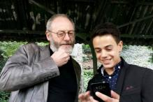 Game Of Thrones Actor Pays Surprise Visit To A Teenage Syrian Refugee