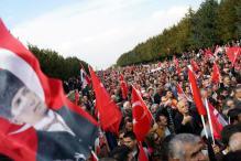 Turkey Sacks 10,000 More Civil Servants, Shuts More Media in Post-coup Crackdown