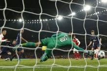 Champions League: Alex Iwobi Own Goal Against PSG Denies Arsenal Top Spot
