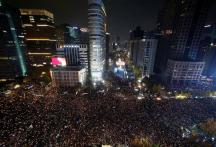 South Korea's President Park Faces Resignation Calls at 8,50,000-Strong Protest Rally