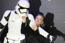 Carrie Fisher Dies at 60: Condolences Pour In On Twitter