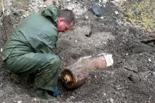 Germans Leave Home on Christmas Morning as WWII Bomb is Defused