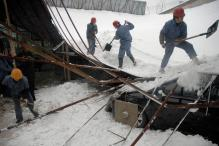 244 Passengers Evacuated From Blizzard in China
