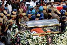 Why Jayalalithaa Was Buried and Not Cremated? This Could be the Reason