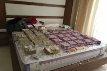 Hawala Operator Arrested, Rs 5.70 Crore in New currency Seized