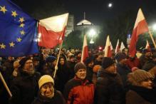 Police Break up Blockade of Poland's Parliament Amid Political Crisis