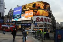 London's Piccadilly Circus Lights Turned Off For Renovations