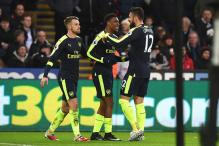 Giroud, Sanchez Score as Arsenal Demolish Swansea