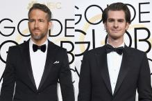 Golden Globes 2017: Ryan Reynolds, Andrew Garfield Steal Ryan Gosling Moment With an Impromptu Kiss