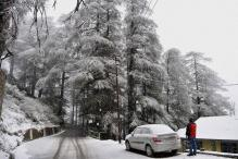 Heavy Snowfall Paralyses Himachal, Uttarakhand; More Predicted in 24 Hrs