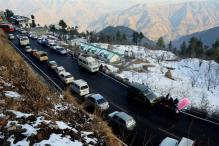 Shimla, Manali cut off After Snowfall, Traffic Hampered