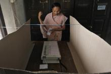Elections: How an Electronic Voting Machine Works