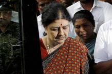 Supreme Court Refuses Sasikala More Time to Surrender